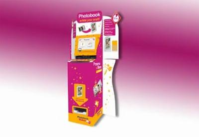 Киоск для изготовления фотокниг Photobookmaker. Киоск ...: http://minilab.com.ua/oborudovanie/proizvodstvo_fotoknig/photobookmaker/